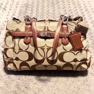 Brand New! Coach East West Carryall Chelsea Bag
